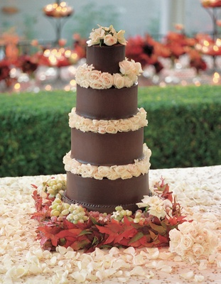 wedding cake in southern california thanksgiving inspired backyard wedding in southern 22984
