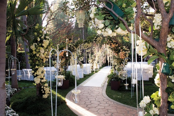 Ethereal spring wedding at the beverly hills hotel