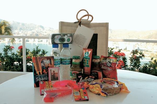 Beach Wedding Gift Bag Ideas: Destination Wedding On The Beach In Acapulco, Mexico