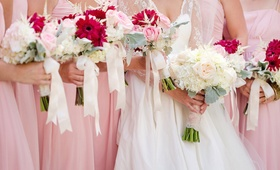 Summer wedding bouquet ideas with pink flowers