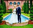 Baseball player Steve Finley and bride at hotel