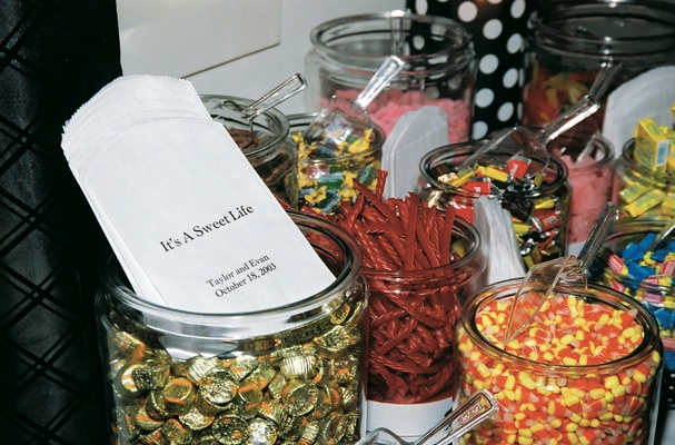 jars of candy for wedding favors