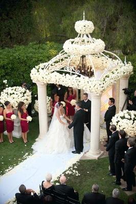 Bird's-eye view of alfresco garden wedding