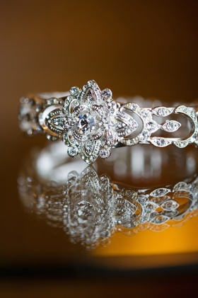 Bridal jewelry with floral setting and round-cut diamonds