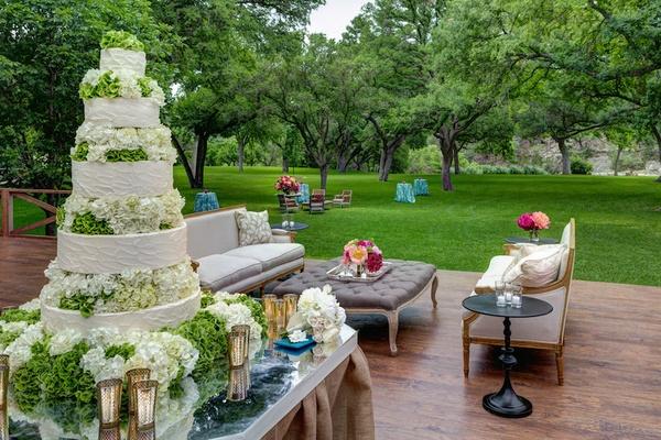 outdoor spring wedding celebration on a ranch in texas inside weddings. Black Bedroom Furniture Sets. Home Design Ideas