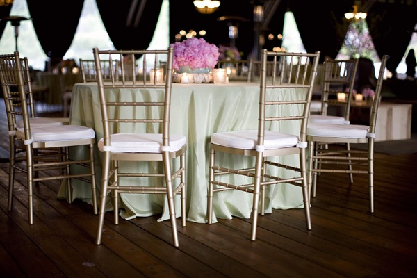 green tablecloth and pink peony centerpiece
